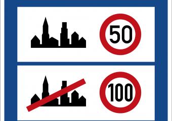 Schild mit Tempo 50 in Ortschaften und Tempo 100 außerhalb